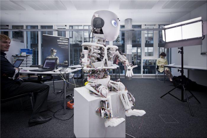 Roboy een humanoid.