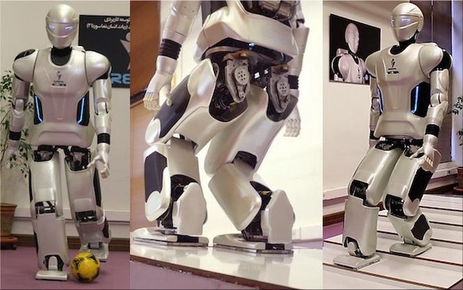 De robot tSurena_Mini