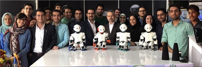 Het Surena_Mini team